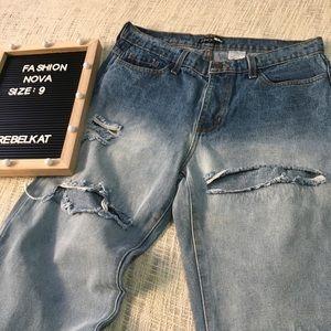 NWOT Fashion Nova Boyfriend Jeans Size 9 Butt Cut